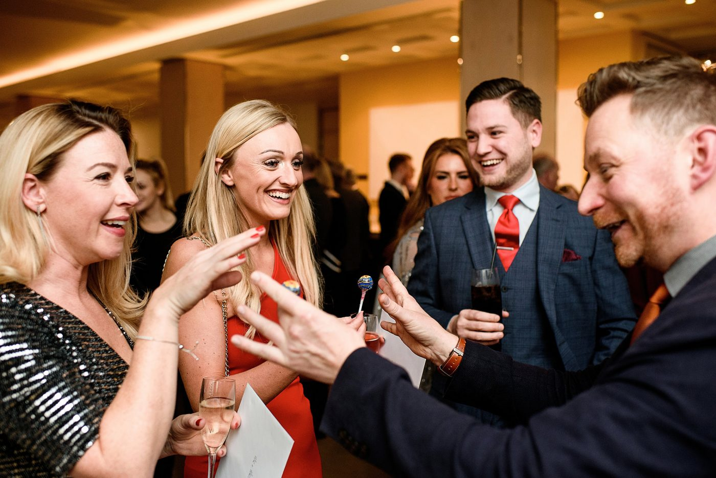 magician wows guests